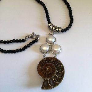 Jewelry - 🌸Beautiful Sea Enemanie Shell w/Pearl Necklace🌸